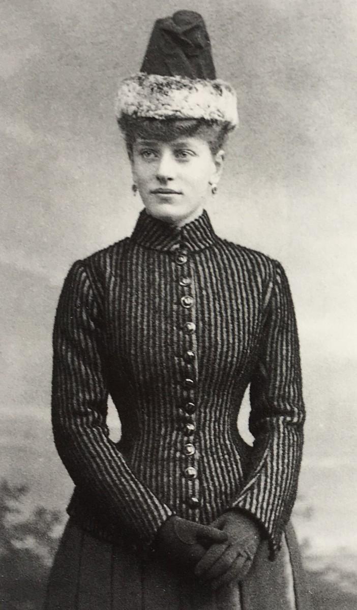 Lucie 17 jaar (1888)
