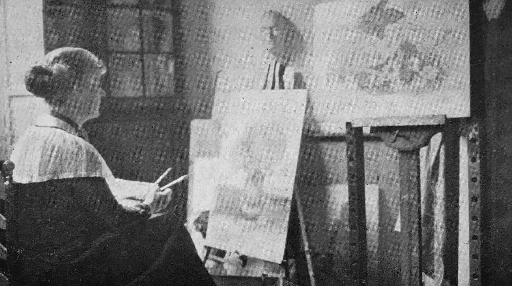 Lucie in haar atelier (ca. 1925)