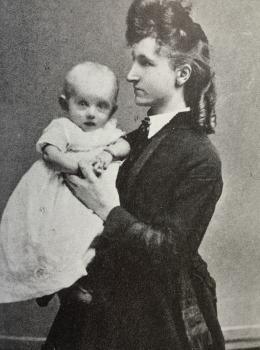 Lucie van Dam van Isselt en haar moeder