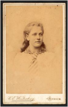 Lucie ca. 20 jaar (1887-1892)