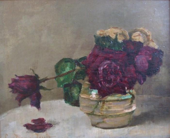 Paarse rozen in een glazen vaas door Lucie van Dam van Isselt
