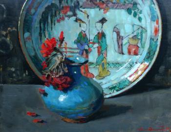 Boemstukje in blauw vaasje en Chinees bord door Lucie van Dam van Isselt