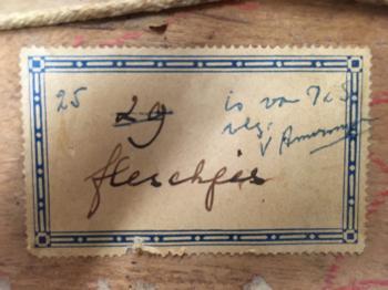 Fleschjes etiket achterzijde door Lucie van Dam van Isselt