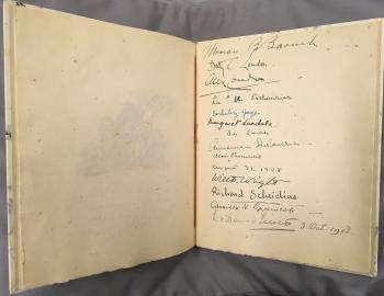 Album Amicorum Margaret Bonsal met handtekening Lucie van Dam van Isselt