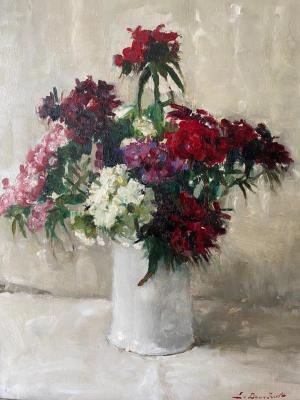 Duizendschonen in witte vaas door Lucie van Dam van Isselt