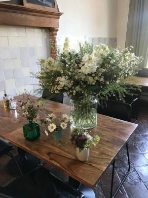 Lucies bloemen in haar oude atelier
